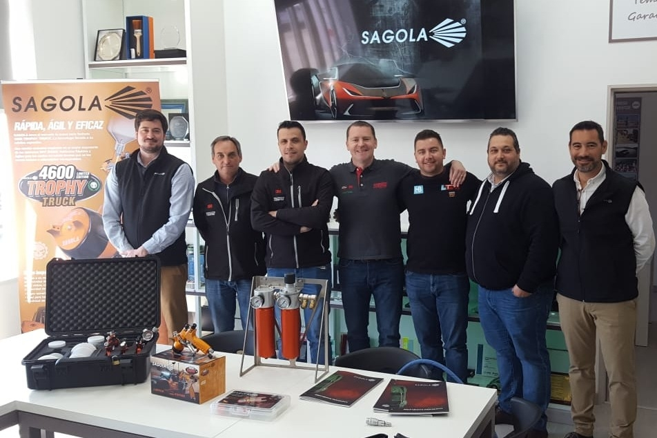 Training sessions to distributors in portugal