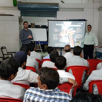 Sagola con Dent Masters (India)